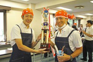 優勝は四ツ谷駅のカレーでした。おめでとうございます。